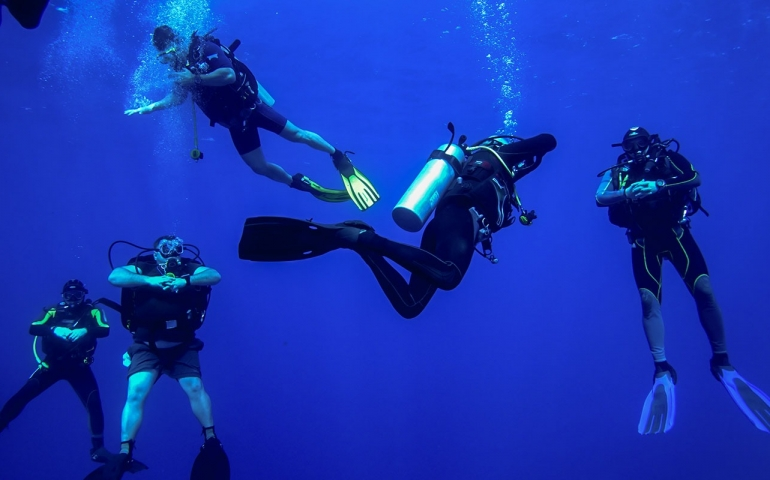 Greenhorn's Guide #4: How Much Scuba Weight Do You Need?