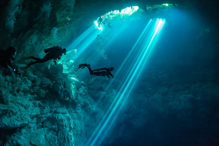 8 Amazing Diving Accounts to Follow on Social Media
